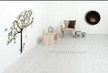 Massief houten vloeren / Vloeren van massief eikenhout, uitstekende kwaliteit.