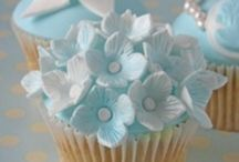 Pretty Cupcakes / Recipes and inspirational ideas for cupcake decorations / by Dawn Goodwin