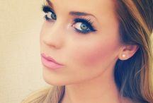 Makeup ! / by Alyssa Marie🌸