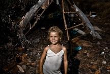 Roma-zigeuners in Europa / Roma Travelogue is een boek over het hedendaagse leven van de Roma in Europa.  Steun je dit boek door crowdfunding? Kijk op http://www.voordekunst.nl/vdk/project/view/1377-roma-travelogue