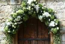 Inspiration- Archways and arbours / Floral garlands for archways and arbours - the most spectacular floral designs for your big day