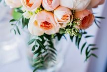 Wedding colours: peach and coral / Soft peaches and coral are some of the prettiest colours you can choose for your wedding flowers