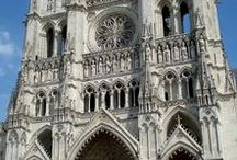 Gothic Architecture / GOTHIC ARCHITECTURE / This is a collection  of  the historical and the most important Gothic structures. Some of the photos' description were cited from historical books.