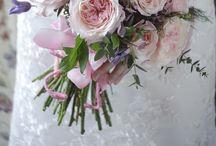 Wedding flowers: Roses / The worlds favourite wedding flower!