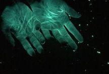 stories: asteria / sci-fi. sad kids in space. lots of stabbing. nobody's okay. (current status : drafting)
