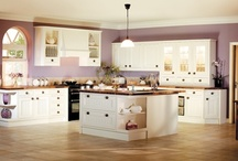 Traditional Kitchens / Country kitchens, farmhouse kitchens, cottage kitchens, rustic kitchens… However we describe them they have an irresistible appeal, especially if the property has a touch of history about it – whether Georgian, Victorian, Edwardian or just timelessly traditional.