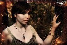 Une touche de médiéval, de magie, et une pointe de fantaisie... / Shooting photo Terra Odéria:  Différents thèmes dont le médiéval, la magie, les bijoux.   Boutique: http://www.alittlemarket.com/boutique/terra_oderia-1455745.html