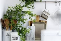K i t c h e n  S t y l i n g / How to dress up a kitchen space