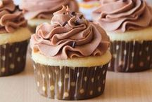 cake, muffins and cupcakes
