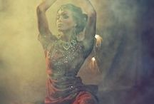 BELLYDANCE / Bellydancers, photography and costumes