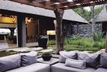 Outdoor Lounge Area Ideas / Who wouldn't enjoy a lounge area on a nice day.