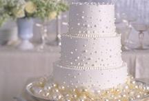 Wedding cake / Bellissimi esempi per ispirare le vostre decorazioni di dolci e torte nuziali. Strumenti e consigli su www.decorazionidolci.it