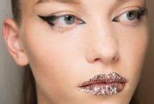 Passarela / Inspirações para maquiagem e cabelo vindas das passarelas, de várias marcas.