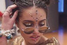 Inspiração: Festivais / Ideias de maquiagem e cabelo para arrasar em festivais!