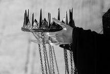 Majesty / Crowns, queens, jewels, couronnes, reines...