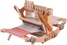 SKILL weaving and yarn / What patience it takes to fabricate a peace of weaving!