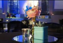 """[RÉALISATIONS] Mariage Lounge & Film """"Là-Haut"""" / Mariage Lounge - Bleu Tiffany & Pêche Design et Papeterie : Dessine-moi une étoile Compositions florales : Aude Rose Photographies : Dessine-moi une étoile"""