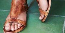 Women's Casual Footwear / 0