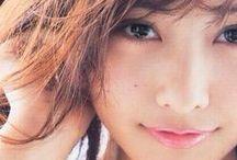 Hinako Sano / 佐野 ひなこ(1994年10月13日 - )は、日本の女優、タレント、ファッションモデル、グラビアアイドル。