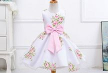 Summer Dresses for Little Girls / The best way to keep cool during those hot summer days is in a summer dress. There are so many pretty dress designs for little girls. It's so hard to choose!