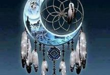 Suncatchers,Mooncatchers & Dreamcatchers / Hi! Welcome,this is a amazing board.I love this kind of thing.So many beautiful pins to pick from.I hope you enjoyed it and got inspired by some of the pins.Happy pinning.