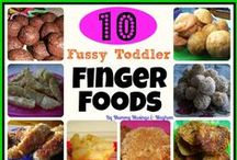 Finger Foods for Babies and Toddlers / Toddler finger foods, baby finger foods, toddler food ideas, baby-led weaning, BLW, baby led weaning, vegetables for kids, fruits for kids, foods for babies, first foods for babies.