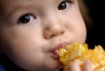 Toddler Meals | Best Ways to Feed a Toddler | Toddler Food | Easy Toddler Meals | How to get Toddlers to Eat / Check out our mega list of toddler meals, toddler food ideas, toddler snacks, no cook toddler meals, toddler dinners, toddler lunches, toddler finger foods, toddler food ideas.