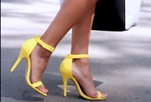 BEST BLOGGER OUTFITS OF THE WEEK / Elke week staat op www.theblogcloset.com een best fashion blogger outfit in de schijnwerpers. Het artikel bestaat uit inspiratie foto's, een poll en je kunt direct jouw favoriete kledingstuk online shoppen.