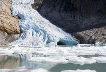 Gletscher in Norwegen / Norwegen weist noch immer Spuren der Eiszeit auf, als das ganze Land von Eis bedeckt war. Mehr als 2.600 Quadratkilometer Norwegens sind mit Gletschern bedeckt, ebenso wie 60 Prozent von Spitzbergen.