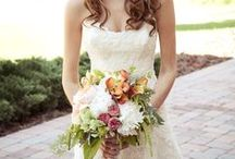 Wedding Floral / Carrollwood Country Club Tampa, FL - Wedding floral inspiration featuring flowers for weddings, receptions, ceremonies, dining tables, and bridesmaids from Carrollwood Florist and other local Tampa Bay businesses.
