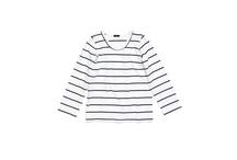 TUSS / TUSS (the ultimate simple solution) est une marque  minimaliste et fonctionnelle. Majoritairement en coton la collection allie confort et sobriété. Marque Suédoise.