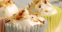 Healthier Cupcakes / Why do we love cupcakes so much? Because it's your own personal tiny cake!