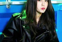 idol | somi / jeon somi || March 9, 2001 || former i.o.i member