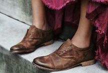 happy feet / by Elizabeth Dekker