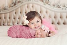 Newborn Photoshoots we LOVE / Some of the best props and accessories for your newborn photoshoot.