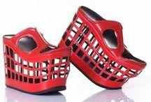 Chaussures / de rigolotes chaussures à faire découvrir