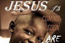 JESUS LIVES / FOTOMONTAGGI .