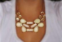 Choker necklace is a must/ Výraný náhrdelník musí byť / Make a statement with your accessories/ Vyjadrite svoj štýl svojimi doplnkami