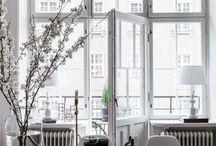 Dekoration / Deko geht immer! Besonders in Arrangements in Form von Vasen & Blumen.