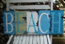 Words for the (beach) house / Stenciled phrases on old planks