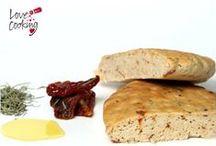 Panes y masas / Un montón de panes, recetas, harinas distintas, formas de preparación... el pan está de moda y aquí os damos recetas para que hagáis un exquisito pan casero
