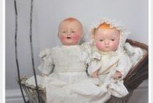 Dolls in  White - Creme wear / Antique dolls in white wear