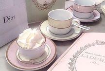 • Pretty Desserts & Drinks •