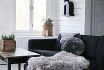 * Living room * / olohuoneen sohva, pöytä, tv-tason säilytys ja olohuoneen värimaailma