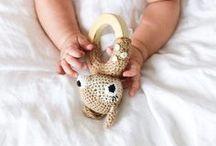 Baby // Liebdinge / Einfach schöne Dinge für Babys: Spielsachen, Accessoires, Design, Geburtskarten