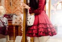 . Lolita Fashion .