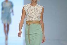 Vestire con stile / Moda donna / by Silvia Goulart