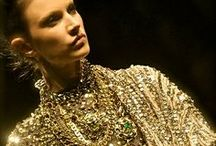 Gold / Dorado / Como reluce el color dorado.