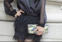 Faldas de plumas / Feathers Skirt / Se han puesto de moda y todo el mundo las lleva. Las faldas de plumas son de lo más in esta temporada. #feathers #skirt #featherskirt #faldasdeplumas   go-fashion-go.com