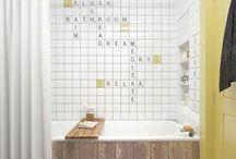 Salle de bain bathroom / La salle de bain (bathroom) est une pièce à vivre où on aime passer du temps. Elle doit être pratique et propre. Le carrelage habille joliment les murs et les sols.